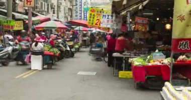 Taiwan of an Asian street market. — Stock Video