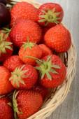 Panier de fraises — Photo