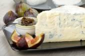 Gorgonzola Roquefort cheese — Stock Photo