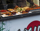 Typical chinese food exposed in Camden Town — Stock Photo