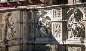 Fonte Gaia architecture detail in Siena, Tuscany, Italy — Stock Photo