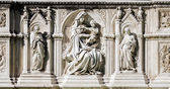 Fonte Gaia detail in Siena, Tuscany, Italy — Stock Photo