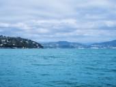 Spring italian seascape in Liguria with overcast sky — Stock Photo