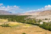 Himalaya landskap bergsutsikt bakgrund — Stockfoto