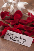 Champagne flute and gift to Valentines day — Stock Photo