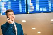 Handsome man in the airport — Stock Photo