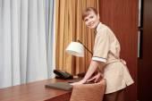 Arreglo papelería de hotel mucama — Foto de Stock