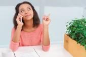 Woman talking per mobile phone — Stock Photo