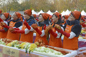 Seoul. November 16, 2014. The recently held Kimchi Making & Sharing Festival involves the important Korean tradition of Gimjang, to ensure families have enough kimchi to get through the long winter. — Stock Photo