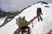 Mountain Climbers high on Mount Rainier, Washington State, USA — Stock Photo