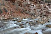 River movement in Zion National Park, Utah — Stock Photo