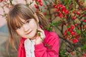 Spring portrait of adorable little girl of 4 years old — Stock Photo