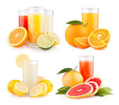 Fresh citrus juices with fruits — Stockfoto
