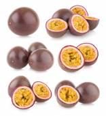 Set of 6 passion fruit — Stock Photo