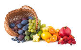 Basket with ripe fesh fruits — Stock Photo