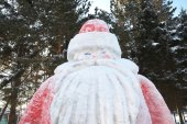 Father Frost sculpture — Stock Photo