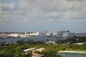 Cruise ships in Nassau — Stockfoto
