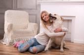 Beautiful  blond girl with Labrador Retriever — Fotografia Stock