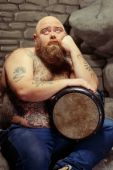 Playing drums and loving it — Stock Photo