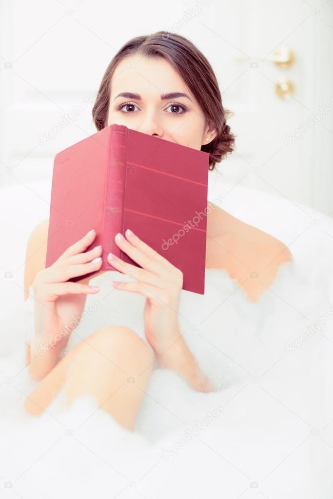 Фото молодая в ванне фото 277-29