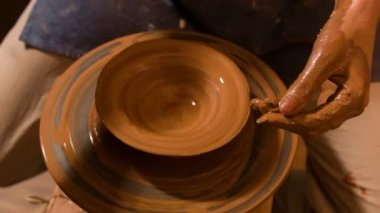 Potter making with loam kind of crockery — Vídeo de Stock