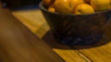 オレンジや crocks のりんご — ストックビデオ