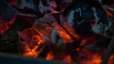 Horizontal dolly shot of extinct fireplace — Stock Video