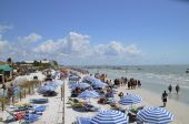 Vacationers at Fort Myers Beach — Stock Photo