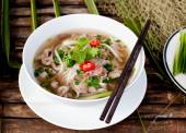 Traditional Vietnamese beef soup — Stock Photo