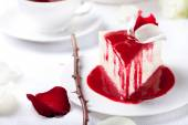 Mousse cake with berry topping — Stock Photo
