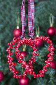 Christmas decoration - two red hearts — Stok fotoğraf