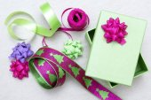 Wrapping a gift — Stock Photo