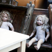 Vintage doll on flea-market — Stock Photo