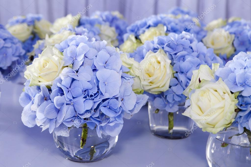 Bouquet of white and blue flower in vase of glass  : depositphotos85757304 stock photo bouquet of white and blue from depositphotos.com size 1023 x 682 jpeg 81kB