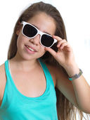 Teanager girl with sunglasses — Stock Photo