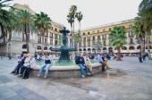 People in Placa Reial off La Rambla (the Boulevard), Barcelona — Stock Photo