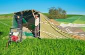 Filling a hot air balloon in Israel — Stockfoto