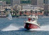 Motor boat of firefighters in action in Genoa — Zdjęcie stockowe