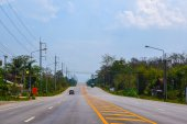 LOEI, february 22:Highway in Thailand on February 22, 2015 in LOEI , Thailand. Highways in Thailand expanded from 2 lanes to 4 lanes to support Asean Economics Community  (AEC). — Stock Photo