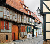 Old fachwerk houses in the town center of Quedlinburg, Germany — Stock Photo