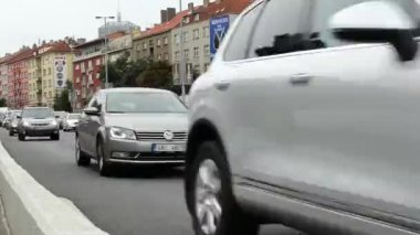 City urban street with cars traffic jam timelapse shot form the front — Stock Video