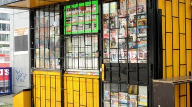 Newsagent on the street - barred — Wideo stockowe
