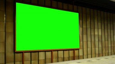 Billboard - green screen in subway (metro) - nobody — Vídeo de stock