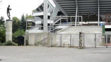 Abandoned stadium - entrance (graffiti) — Stock Video