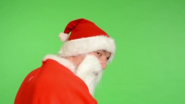 Santa claus - green screen - studio - Santa Claus turns to the camera — 图库视频影像