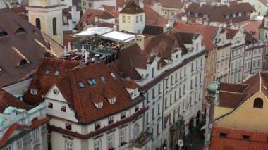 City (Prague) - urban buildings - roofs of buildings - rooftop restaurant — Stockvideo