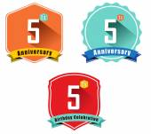 5th anniversary decorative emblem — Stockvektor