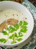 Mushroom cream soup with croutons and thyme — Stock Photo