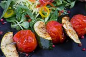 Grilled zucchini with tomatos — ストック写真