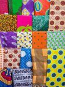 Kleurrijke Afrikaanse kleding — Stockfoto